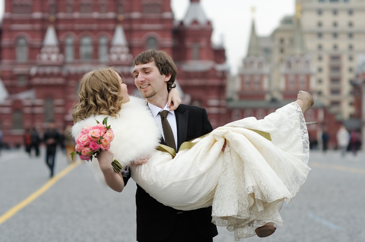 11 Beautiful and Unique Russian Wedding Traditions
