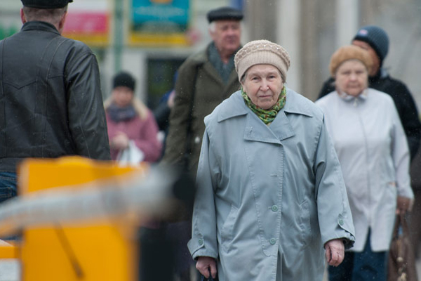 4 etiquette to greet older people in Russia