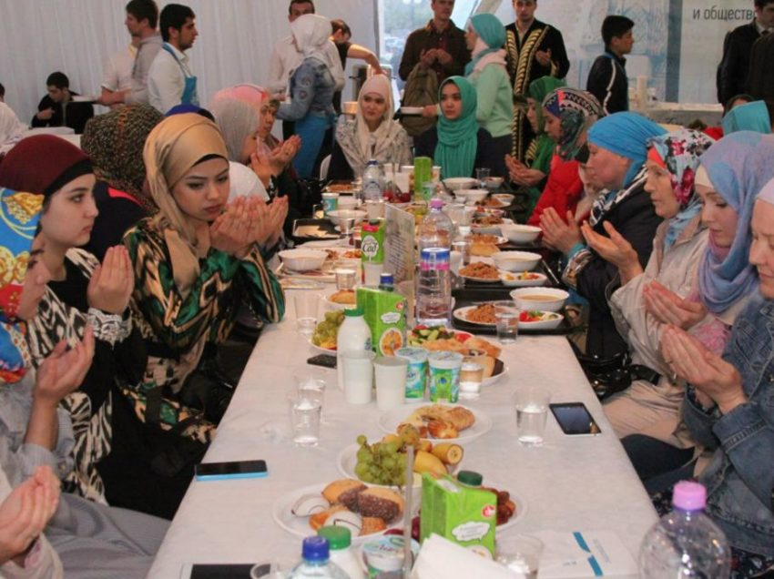 4 Muslim's struggle to celebrate Ramadan in Moscow