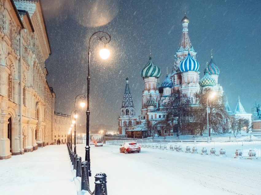 7 Things Russian Folk Like To Do in Winter Time