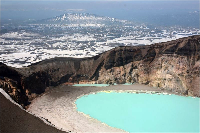 7 Facts You Should Know About Maly Semyachik Volcano