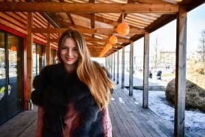 Russian Shawl For Warm And Beautiful Look In Winter