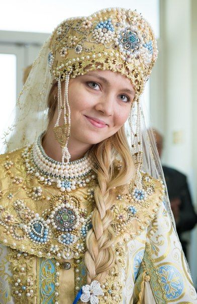 Wedding Dress Traditions of Russian Bride