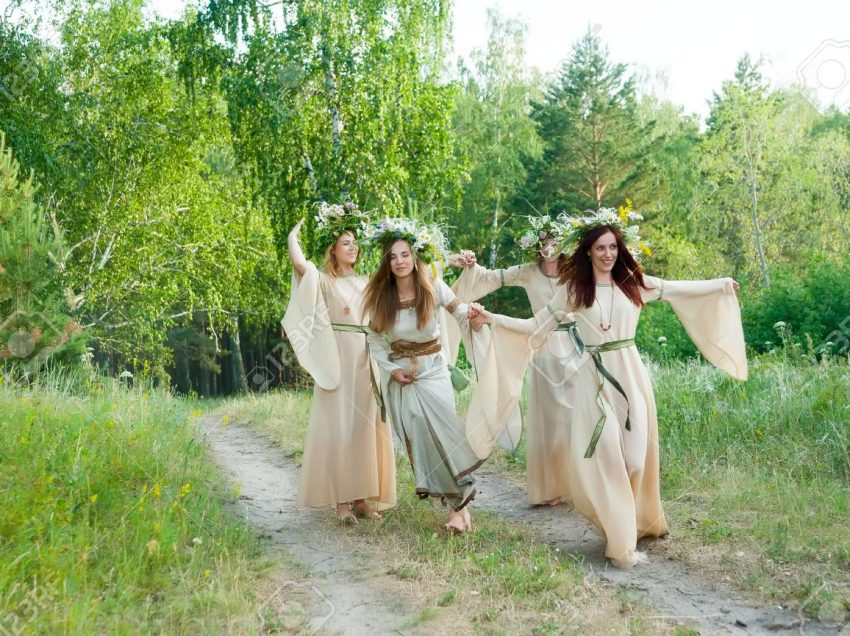 4 Old Traditions in Russia That Still Applied by Millennials