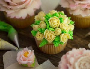 How To Make Russian Rose Cupcake at Home