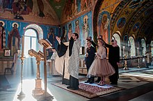 4 Luxurious Marriage Traditions in Russia