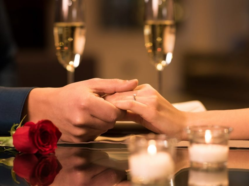 9 Tips For Romantic Dinner With Your Russian Girlfriend On Valentine's Day