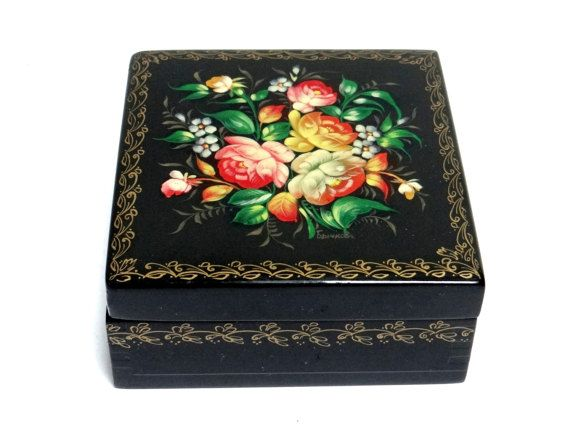 What Makes Russian Floral Box as the One of the Best Russian Gifts?