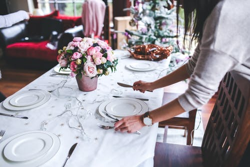 4 Food Service Style for Your Russian Holiday